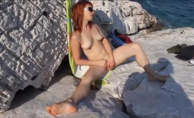 PuncisimogatásPuncisimogatás a tengerparton a tengerparton