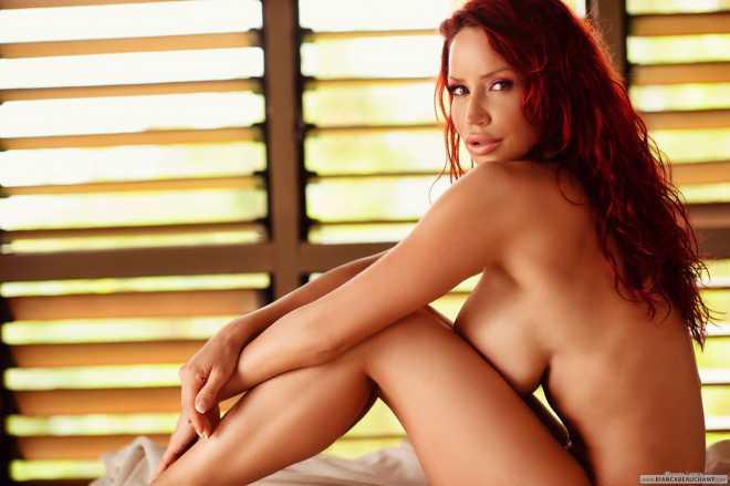 Bianca-Beauchamp-nudesonbed