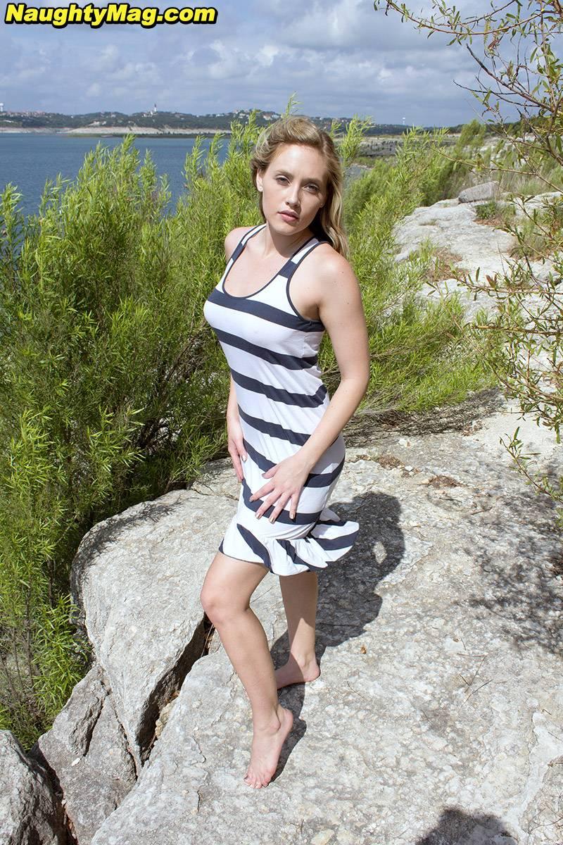 Egy nap a tengerparton Marilynnal - Szexi Lányok fotógaléria